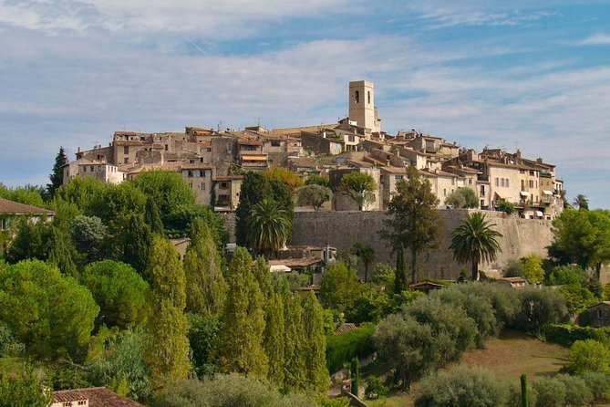 You'll get a good touch of Provence atmosphere exploring those little typical villages, old stones, narrow streets, art galleries, panoramic view in Gourdon and perfumes in Grasse (free visit of a perfumery and perfume testing), Tourrettes Sur Loup and world-famous Saint Paul de Vence.