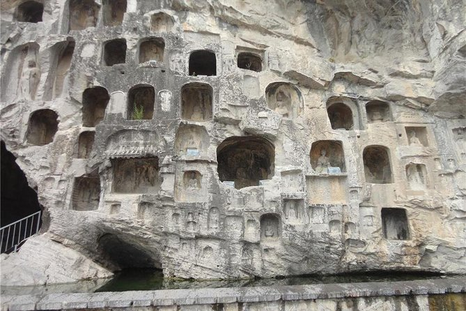 Private Luoyang Full-Day Tour: Longmen Grottoes and White Horse Temple, Luoyang, CHINA