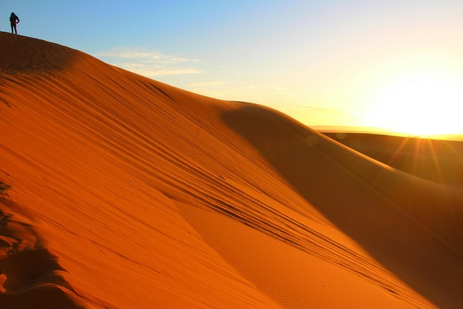 Abu Dhabi Overnight Desert Camping -Arabian Nights with BBQ & Belly Dance & More, Abu Dabi, EMIRATOS ARABES UNIDOS