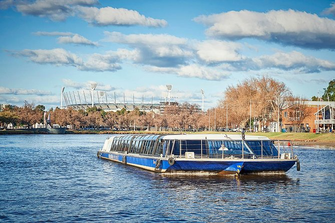 Cruise up Melbourne's famous Yarra River and enjoy the sights of Melbourne's scenic gardens, parklands and famous sporting arenas. This one-hour sightseeing cruise is a wonderful chance to view the scenic river gardens and Herring Island.