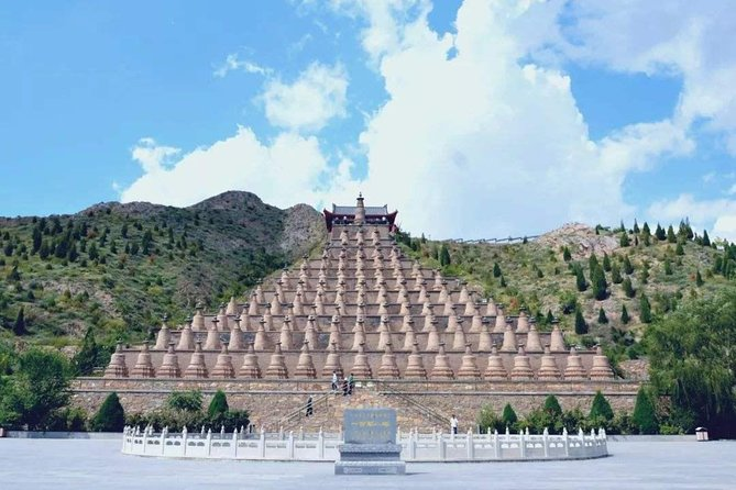 On this private tour, you can explore the UNESCO listed site of Western Xia Tombs with an informative guide, who shares stories about the layout, burial ways, building techniques and arts of the imperial mausoleum; Get to know the Tangut civilization. Then visit the Yuan Dynasty 108 Pagodas at Qinglong Gorge where you can enjoy amazing view of the Yellow River and surrounding Mountains. Tour includes English speaking tour guide, private vehicle, entrance fee and lunch. Yinchuan hotel pick up and drop off also included. <br>