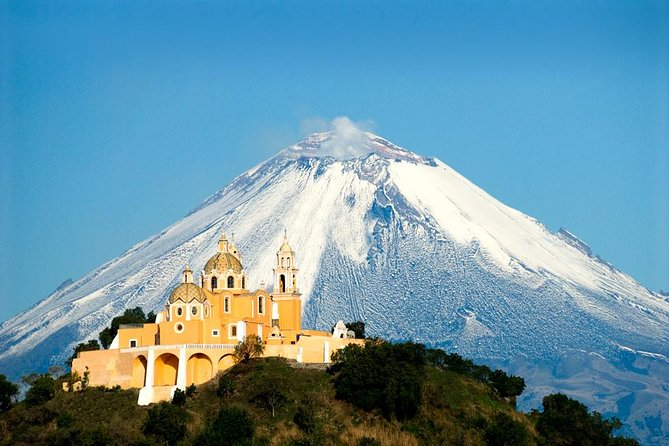 "Board a double decker tram in Puebla and travel to Cholula, a ""Magical Town"" where you will be able to live prehispanic and colonial times culture. In this panoramic tour, see the largest pyramid in the world, visit the temples of Santa Maria Tonanzintla and San Francisco Acatepec and the San Pedro Cholula zocalo. You will have time on your to explore at your own pace these places."