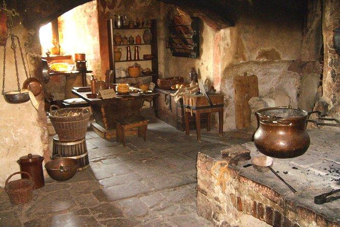 Ancient Roman Fort and Ronneburg Castle Combination Tour From Frankfurt, Frankfurt, ALEMANIA