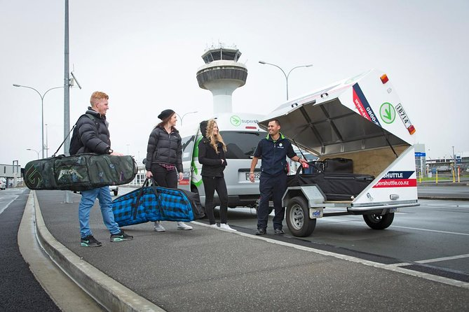 Let the drivers collect you from the Christchurch International and Domestic Airport and drop you off at your Christchurch City Centre or Chrischurch CBD accommodation. They'll even help you with your luggage.
