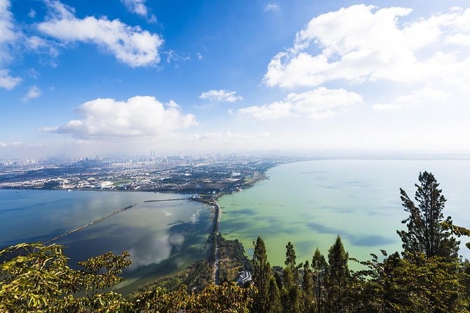 With this private 5 hours tour, you will be escorted by your personal English-speaking tour guide and professional chauffeur to visit highlights of Kunming city attractions: Dragon Gate at West Hill, Huating Temple, and Grand View Tower. This is a perfect introduction to those who have a short stay in Kunming, city of perpetual Spring.