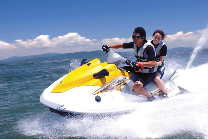 Soar over the magnificent Indian Ocean on a thrilling parasailing adventure, jet ski and banana boat. glide through the air and feel the wind on your skin as you take in the breathtaking views while Parasailing. A ride in adventurous jet ski with adrenaline pump up. Enjoy a fun and exciting banana boat ride.<br>Highlight:<br>• Feel like a bird flying in the air as you soar over the ocean during a 1 round parasailing adventure.<br>• Enjoy a ride on jet ski<br>• Have fun with banana boat at Tanjung Benoa beach