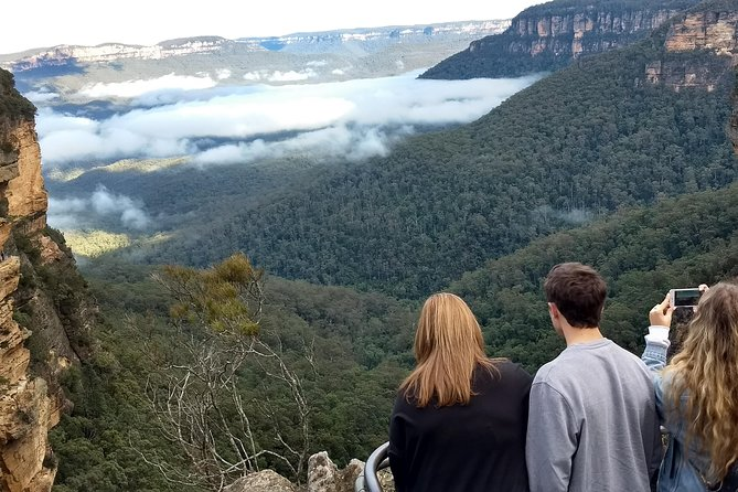 Seek canyons, waterfalls and wild kangaroos on a private tour of the Blue Mountains with Personalised Sydney Tours. <br><br>The Blue Mountains is a 470 million year old UNESCO world heritage park - a gigantic area with heart stirring experiences and activities accessible to all.<br><br>Your tour includes the lower mountain waterholes, searching for wild kangaroos, upper mountain canyons, Leura, Katoomba and The Three Sisters.<br><br>We have flexible itineraries and it's your choice whether you want a slower paced experience or one that packs in every sight. We can customize each tour to your interest and fitness levels. <br><br>Take a cliff edge walk to Wentworth Falls, an easy stroll to the Leura Cascades or optional visit to Featherdale Wildlife Park or Scenic World.<br><br>All tours end with a ferry back to Sydney - cost of $9.40 per adult, $4.60 per child is in addition to the tour cost and can be paid on the day.<br><br>Join us - a fun Australian business owned by Ben Barry - a professional guide since 2003.