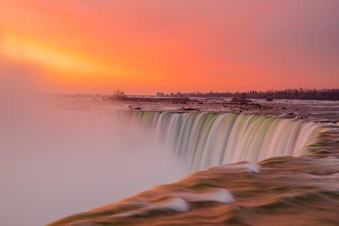 Niagara Falls, New York Day & Night Tour plus Dinner - Private Safe Tour, Cataratas do Niágara, NY, ESTADOS UNIDOS
