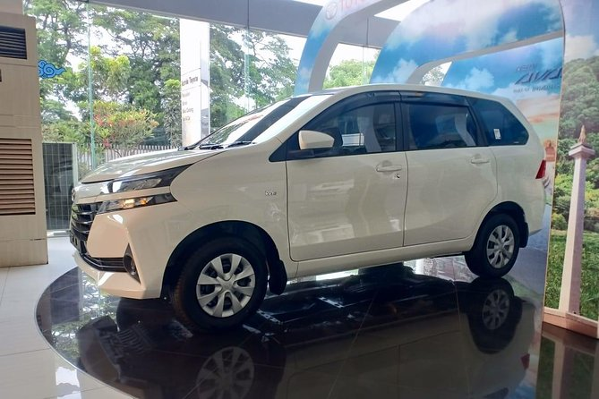 Begin your Lombok & Gilis Vacation with the right start, with a comfortable and convenience Private Transfer Service from Lombok International Airport to your hotel or private residence with friendly, professional, competent and reliable english speaking driver. The chauffeurs are carefully selected for their professionalism, knowledge and discretion. Once you have booked you will receive a confirmation and our Driver will meet you at the arrivals area where they will escort you to your vehicle. You will be then be driven to your destination. You can also book for your return trip back to Lombok Airport as well as we operate in both directions.<br>