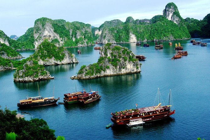 Halong bay Fullday tour, Halong Bay, VIETNAM