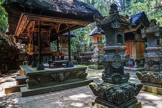 Enjoy this half day tour to visit your friends at the Sacred Monkey Forest Sanctuary (Monkey Forest Ubud), known as the Balinese long tailed monkey (macaque – in English). There are about 600 monkeys living in that very wide forest and divided into 5 groups with different territory. Monkey Forest Ubud is not just a tourist attractions or important component in the spiritual and economic life of the local community, but also an important spot for research and conservation program. Continue to explore Ubud Village and Ubud Market as lots of interesting Balinese handicraft products available to shop good for collection and or for souvenir.