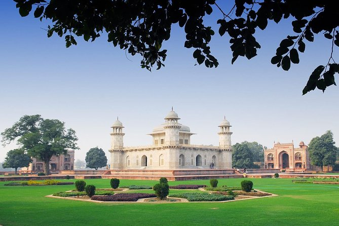 Same Day Taj Mahal Tour by Car from New Delhi, Nueva Delhi, INDIA