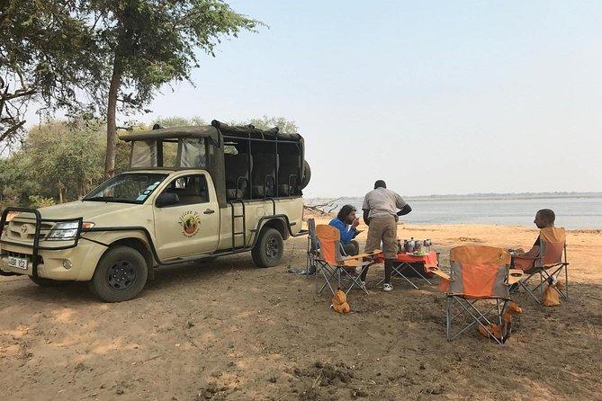 Rhino Game Drive, Livingstone, ZIMBABUE