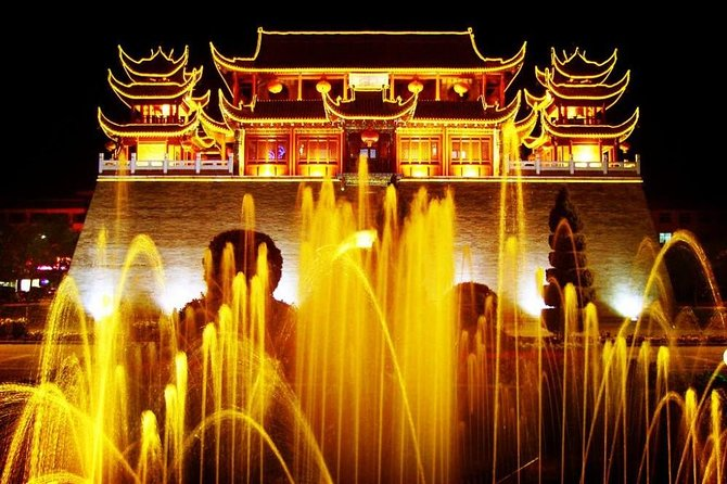 On this evening tour, see the best of Yinchuan with round-trip travel from your accommodation included, and find out what makes the city special. Mingle with the locals at Huaiyuan buzzing night markets, enjoy the city lights at Drum tower and Nanmen Tower Square. Explore the biggest mosque in Yinchuan. Hear stories about Yinchuan's history and contemporary life from your informative guide.