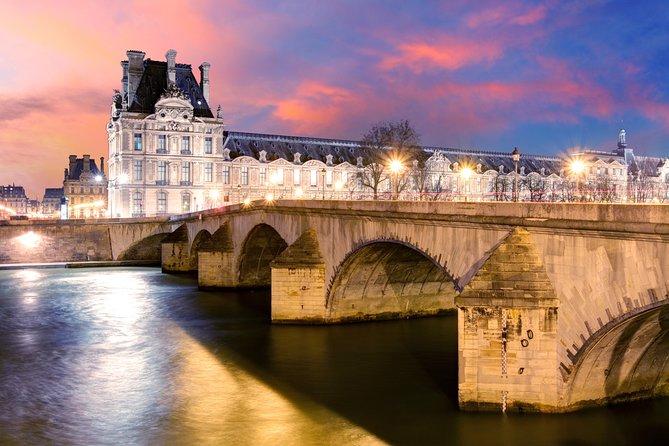 Torre Eiffel, cena, crucero por el río Sena y espectáculo en el Moulin Rouge, Paris, FRANCIA