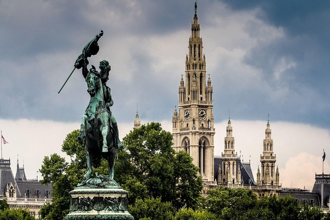 Small-Group History Walking Tour in Vienna: The City of Many Pasts, Viena, AUSTRIA