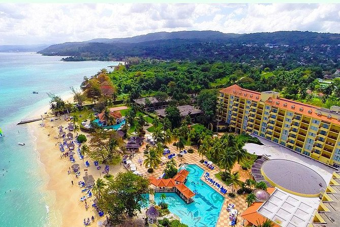 Unwind at Jamaica's Jewel, adults only All-Inclusive resort... Offering 6 restaurants and 6 bars among exciting activities and entertainment options.<br>