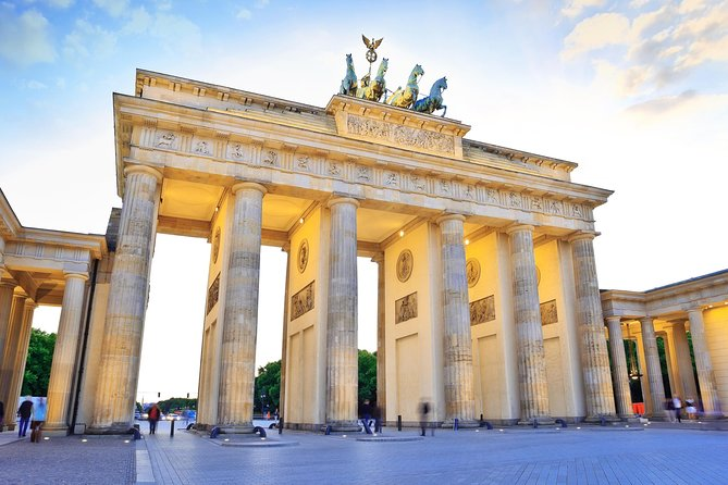 Private Half-Day Berlin Sightseeing Tour with a Minivan Including Short City Walks, Berlin, ALEMANIA