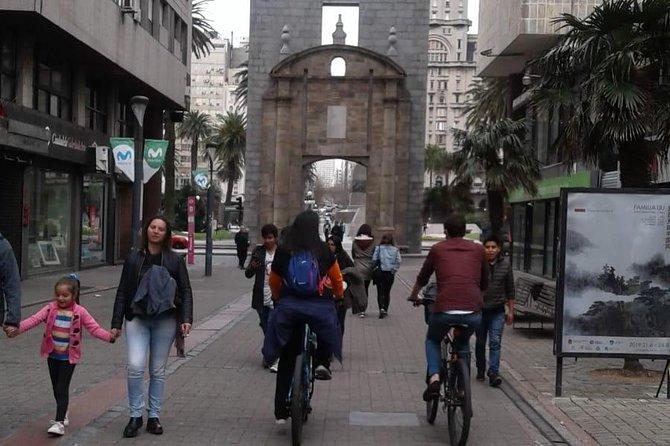 Montevideo Bike Tour, Montevideo, URUGUAY