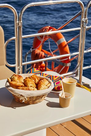 Daytime or Sunset Catamaran Cruise from Cannes with Optional Lunch or Champagne, Cannes, FRANCIA