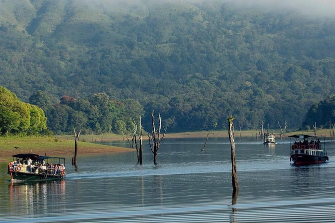 In this 5 days tour we will take you to - Munnar hill station, Periyar wildlife sanctuary (Thekkady) and Alleppey Backwaters. Stay in a private Moving Premium Houseboat