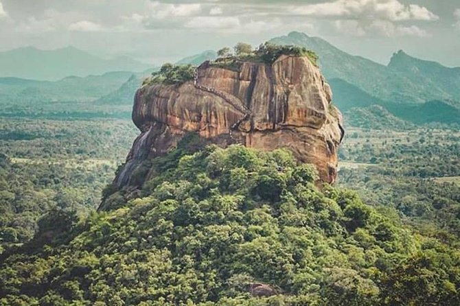 We can provide new cars and vans. We can offer customized tour packages.<br>We can arrange all kind of transport service in Sri Lanka<br>