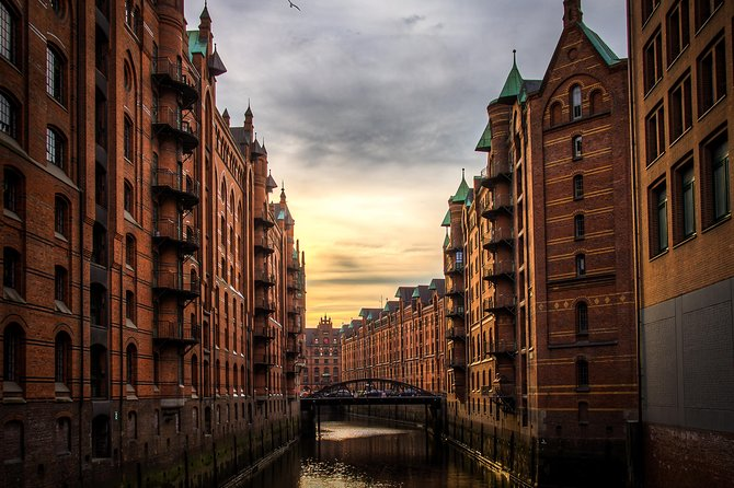 A Full Day In Hamburg With A Local: Private & Customized, Hamburgo, ALEMANIA