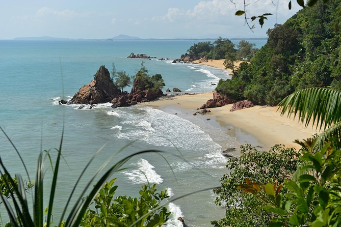 Pick-up from Cherating by an Air-conditioned vehicle with English speaking professional driver and drop-off at Kuala Lumpur city hotels as per your booking. <br><br>It's a one-way private transfer only..!!!