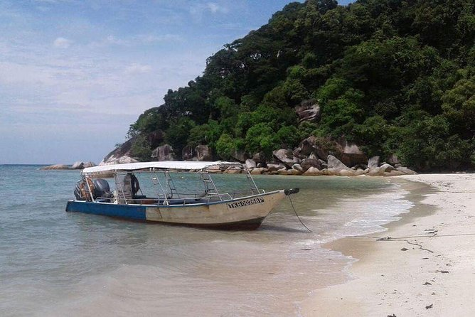 Pick-up from Kuala Besut Jetty by an Air-conditioned vehicle with English speaking professional driver and drop-off at Kuala Lumpur city hotels as per your booking. <br><br>It's a one-way private transfer only..!!!