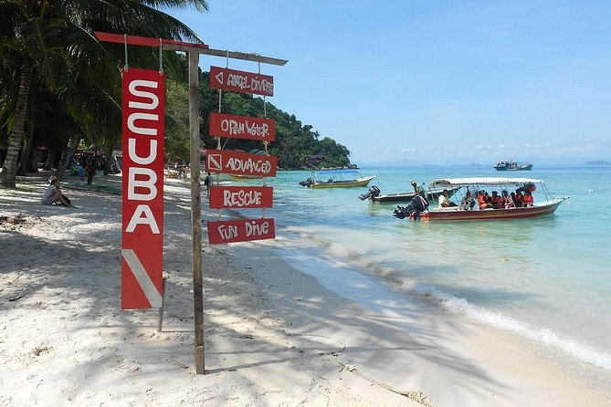 Pick-up from Kuala Besut Jetty by an Air-conditioned vehicle with English speaking professional driver and drop-off at Kuala Lumpur city hotels as per your booking.<br><br>It's a one-way private transfer only..!!!