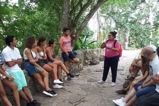 """Live the history of the Mayan culture in this Walking Tour through the streets of Valladolid. Walk around squares, churches, mansions and cenotes while you discover legends, anecdotes and important facts of a city considered as """"Magic Town"""" due to the cultural abundance that holds in each of its corners. The perfect match between history and day-to-day life is this Walking Tour.<br>"""