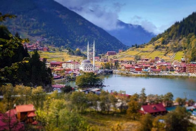 With its lakeside mosque and forested mountains and pretty landscape that recalls Switzerland, Uzungol (Long Lake) still remains idyllic on this private tour form Trabzon.