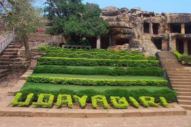 India is more than the Hindu Culture. These hill sites will introduce with the other two very significant cultures following in India, Jainism, and Buddhism. Dhaula Hills leading to Dhauligiri Peace Pagoda and Udayagiri-Khandagiri for the caving tour.