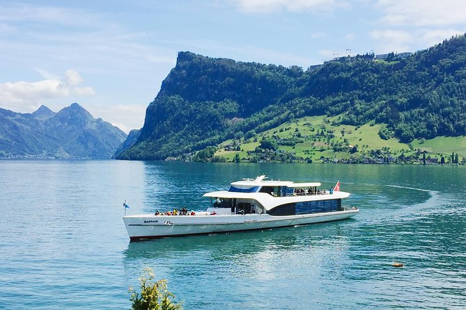 Tour the magnificent bays of Lake Lucerne aboard an elegant yacht on this 1-hour cruise. Sit back and relax on the main deck or upper deck while your expert captain takes you along Switzerland's most stunning lake, surrounded by majestic mountain peaks, forests and meadows.<br><br>On sunny days you can enjoy delicious snacks and drinks on board.