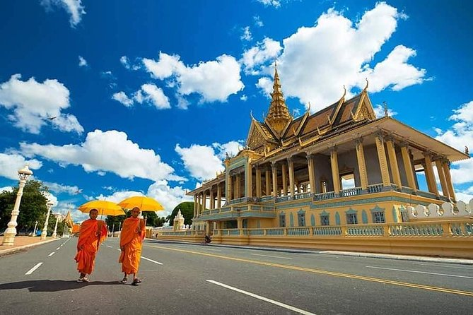 This tour will discover capital of Cambodia, Phnom Penh. Visit the Cambodian king's residence. Then visit the National Museum all culture we have from 6th-13th century. After we will grab local lunch at Local restaurant. then countaiue to birth place of capital Wat Phnom. Then move next stop at S21 Genocide Museum and killing fields Choueng Ek.