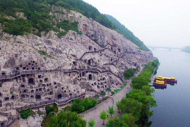 One day Luoyang Longmen Grottoes Tour from Xi'an, Luoyang, CHINA