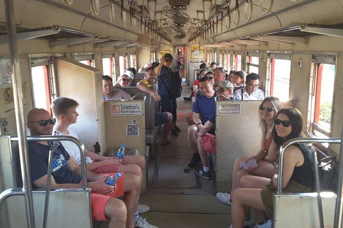 Recorrido para grupos pequeños por el mercado del ferrocarril de Maeklong y el mercado flotante de Damnoensaduak, Bangkok, TAILANDIA