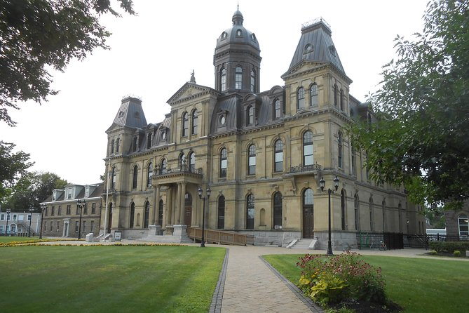 Are you planning a visit to Fredericton, the capital of New Brunswick? There is a lot to see in Fredericton! If you plan to go, you should consider doing our scavenger hunt to walk the city first! You'll see the Convention Center, Parliament, City Hall, Science East and much more.<br><br>You will discover not only the unavoidable tourist attractions but also the peculiarities of what locals call their home. You will have challenges to solve at each stage of your journey. During this time, you will also be exposed to the neighborhood's history.