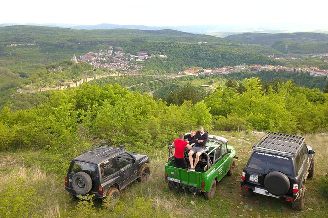 EXPLORE VELIKO TARNOVO FROM ABOVE<br>With us, you will be able to explore Veliko Tarnovo and Arbanasi from one unique point of view.<br><br>As well as that, with our off-road safari tour, you will be able to live one unforgettable adventure. <br>The tour can be an exciting adventure full of adrenaline or it can be a relaxing trip in the beautiful nature. <br>The choice is yours, unforgettable moments are guaranteed.<br><br>This tour offers an off-road trip in the hills around Veliko Tarnovo and Arbanasi.<br>We will pick you up from your location and we will head up into the woods. There you will enjoy the off-road trip and explore the nature in the meantime. At certain points, we will stop at places with beautiful scenery and you will be able to enjoy the views and take photos. You will see Arbanasi, Tsarevets, Veliko Tarnovo from a different point of view.