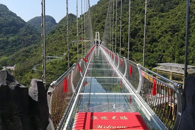 Baojing Palace Cave and Glass Skywalk Bridge private tour, Canton, CHINA