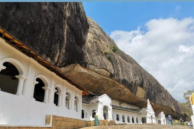 We travel by your itinerary we provide tours that is flexible for you so that can see the best out of srilanka