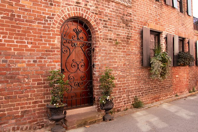 Charleston in a Nutshell Private Tours, ,