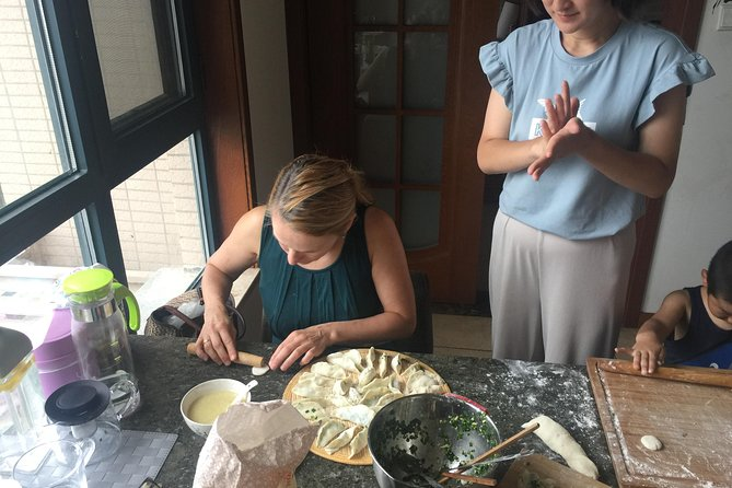 Dumpling cooking lesson in local family, Sian, CHINA