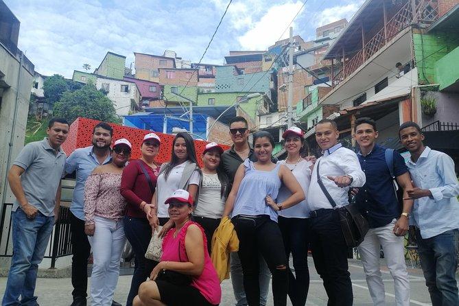 Sag Tour Medellin. Recorrido por los grafiti de la Comuna 13, Medellin, COLOMBIA