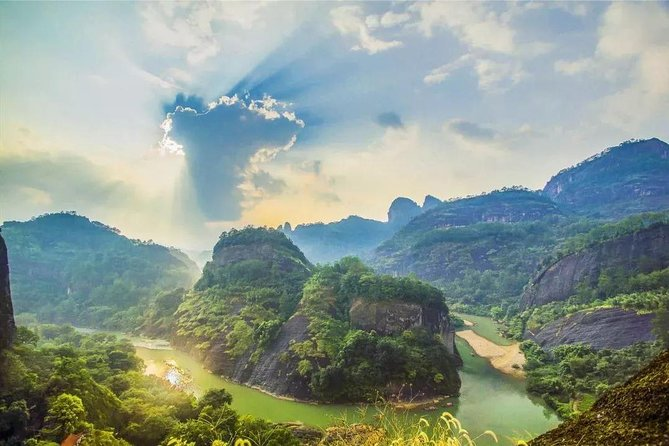 Take time out for a rich Two-day cultural and scenic tour to travel around Wuyi Mountain which is listed as the World's natural and cultural heritage by the UNESCO. With a pleasant climate, fascinating scenery, abundant products, time-honored history and rich tourism resources, Mount Wuyishan is a famous tea, grain and timber production center in China.You will see two famed peaks and some main attractions, discover the Danxia Landform of Wuyishan (Mount Wuyi), and take Bamboo Rafting along Nine-bends Stream.