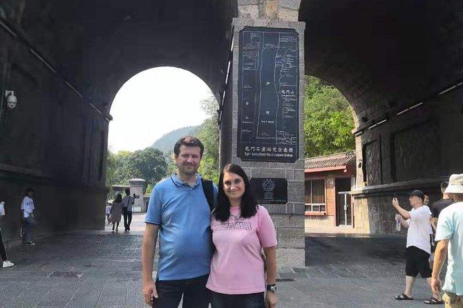 Longmen Grottoes Round Trip, Luoyang, CHINA