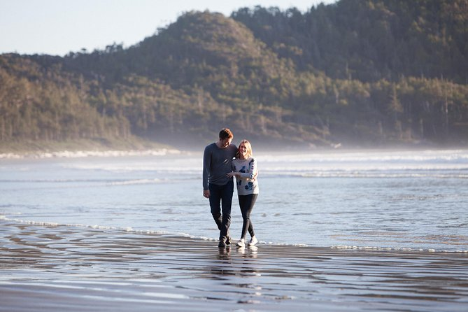 120 Minute Vacation Photography Session with Local Photographer in Tofino, Isla de Vancouver, CANADA