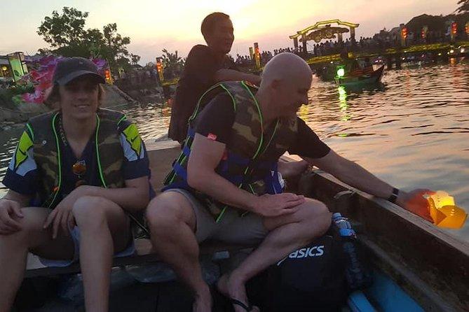 MÁS FOTOS, Discover Hoi An Walking Tour, Sampan Boat Ride, Night Market &Colourful Lanterns