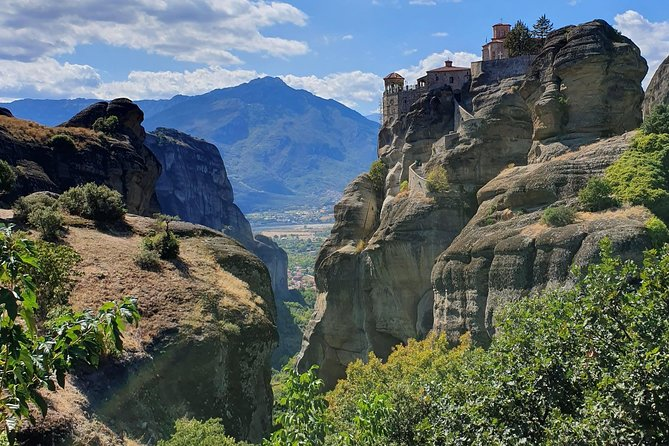 Meteora is a one of its kind location on Earth. Its a phenomenal rock formation that is a must visit. The Christian Orthodox monasteries on the top of the rocks are unique as well. Visiting Meteora is a great both travelling and religious experience. <br><br>SKG bus transfers & tours offers private trips to Meteora, starting from Thessaloniki area. <br><br>Our tour is strictly private and also customizable as per our passengers instructions. Your driver and guide is a level 6 Google local guide.<br><br>Minimum persons 1 - maximum persons 8