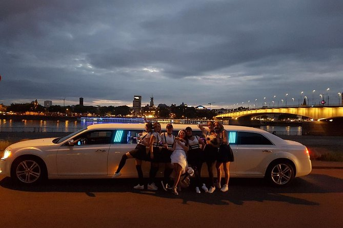 1 hour limousine ride in Dusseldorf for max 8 Passengers, Dusseldorf, ALEMANIA
